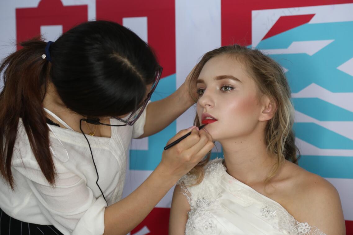 朗图时代告诉你怎样提高自己的化妆能力